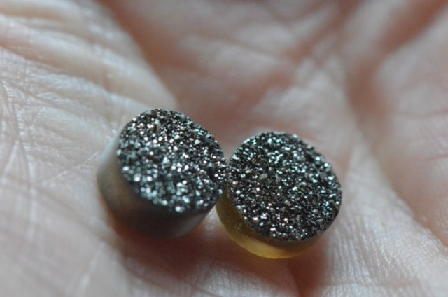 Pair of 8mm round Coated druzy agate cabochon high quality 4.85ct