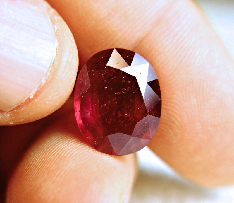 13.86 Carat Fiery Red Ruby - Gorgeous