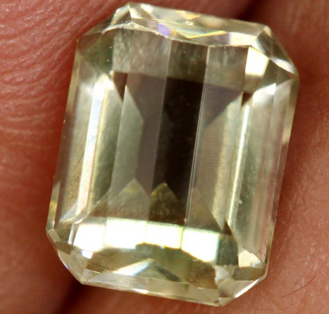1.70 CTS SUNSTONE  FACETED CG-2028