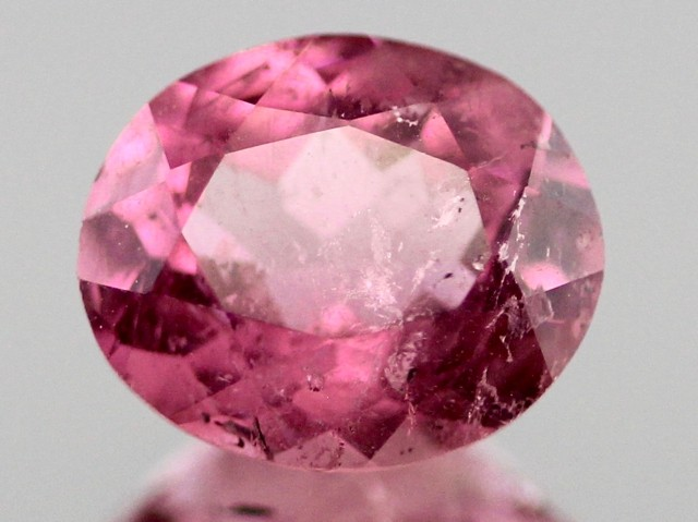 1.35cts Pink Tourmaline oval-cut from Madagascar