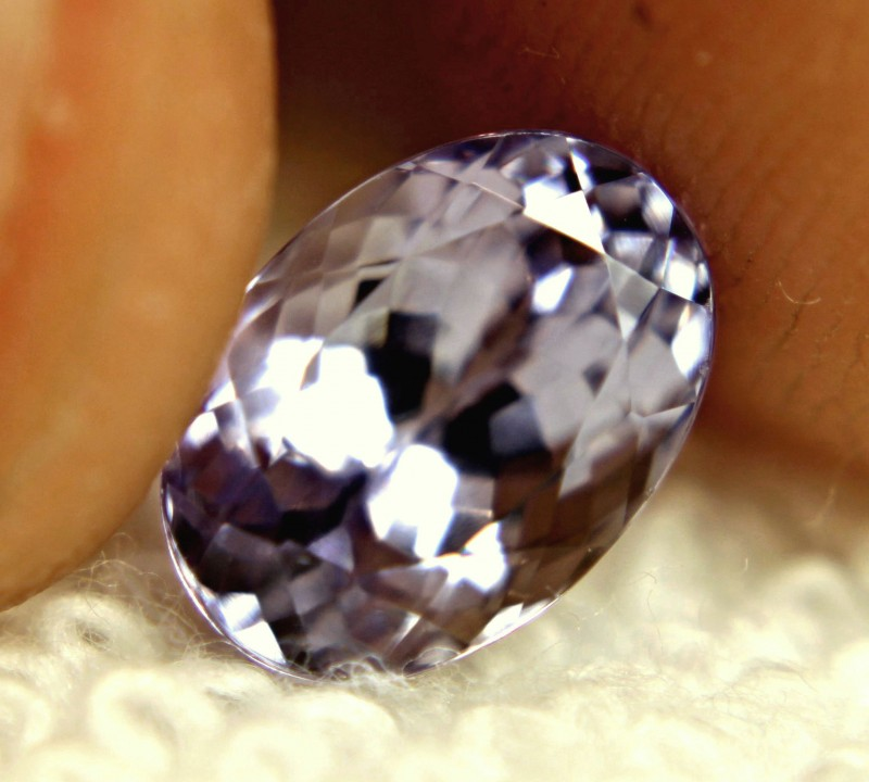 CERTIFIED - 3.61 Carat Best IF/VVS1 Lilac Tanzanite - Gorgeous