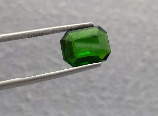1.25 carat slim Chrome Diopside Russian Green faceted