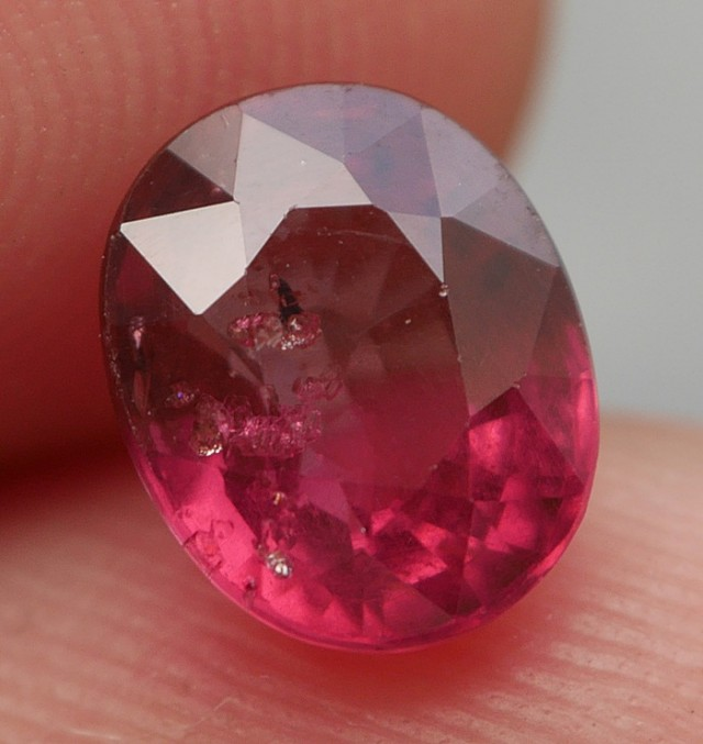 BEAUTY GEMS AFRICAN GARNET 1.50 CRT