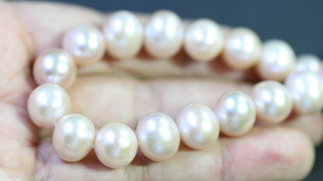 10 mm Oval Champagne strand Pearls PPP181