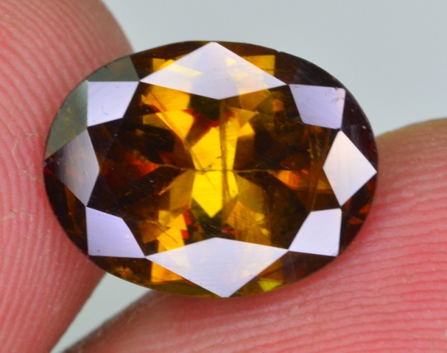 3.75 ct natural outstanding luster of titanite sphene from pakistan