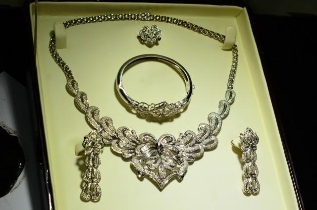 155gm~18K White Gold~17ct Diamonds Set~RRP 18000.00