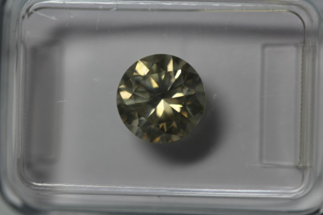 1.70ct brilliant light greyish yellow SI2