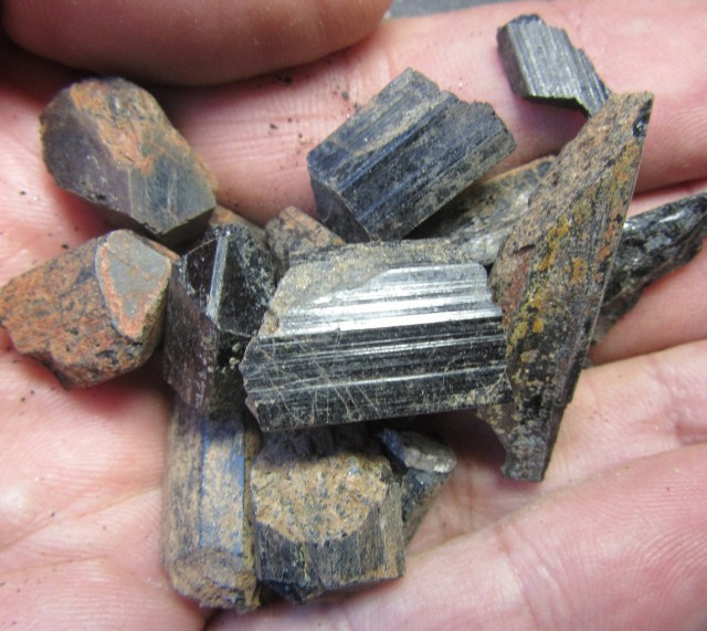 250  Cts Australian Black Tourmaline Crystaline Parcel  PPP289