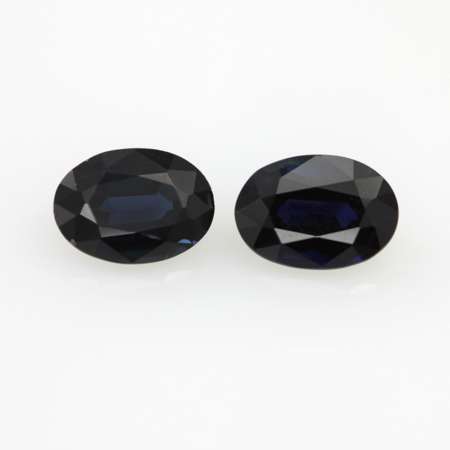 1.80cts  Matching Oval Pair Natural Sapphires 2pcs