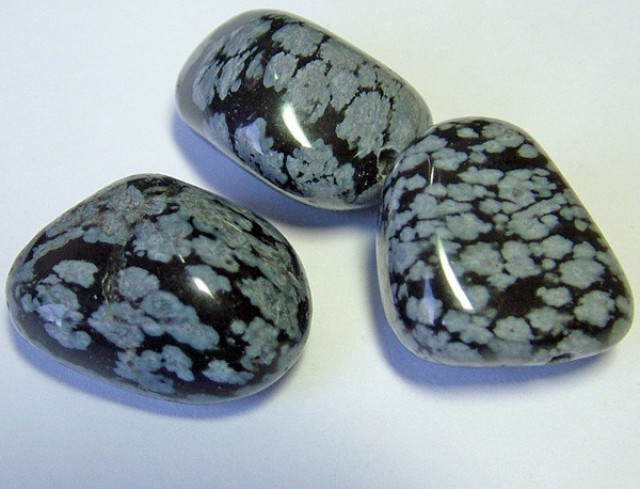SNOWFLAKE OBSIDIAN BEAD PARCEL 147 CTS NP-1917