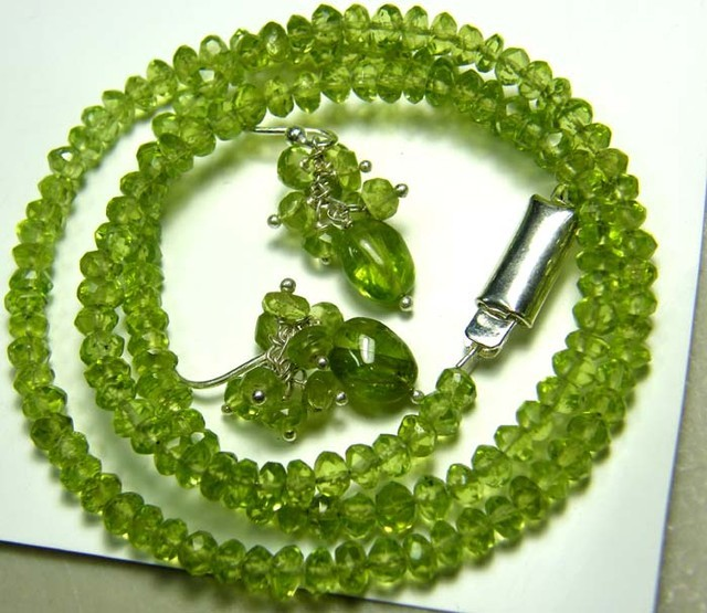 PERIDOT FACETED NECKLACE EARRING SET 88 CTS NP-1968