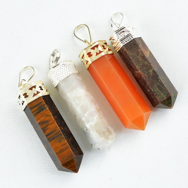 Natural 30.00 Gms Healing Point Pendant Lot