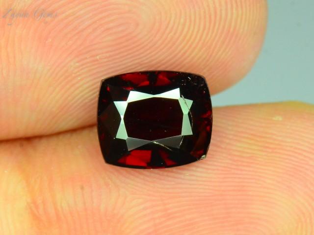 3.550 ct Red Afghan Garnet L.2