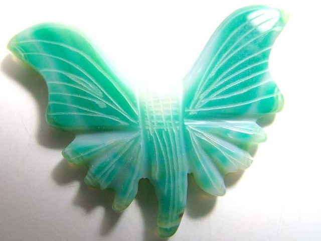 AGATE BUTTERFLY CARVING 27.5 CT LT-706