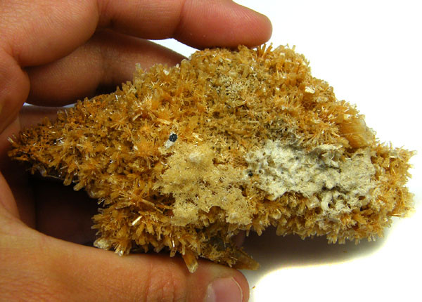 AUSTRALIAN GOLDEN BROWN SANDY GYPSUM 305 GRAMS  FF41