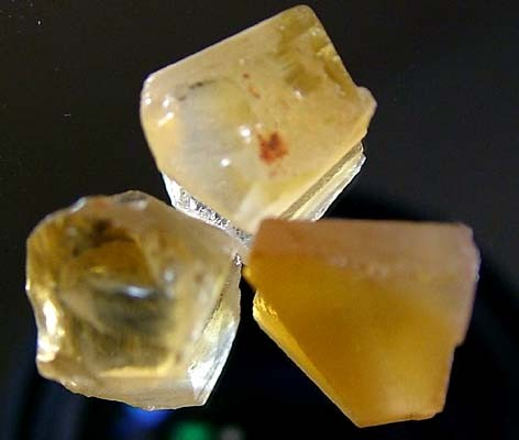 CITRINE FACETING  ROUGH (PARCEL) 12.95 CTS FN 2989  (LO-GR)