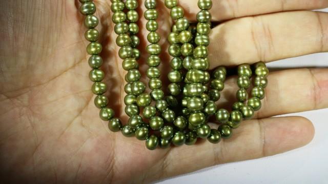 Three Olive Semi round   Natural Pearl strand  GOGO795