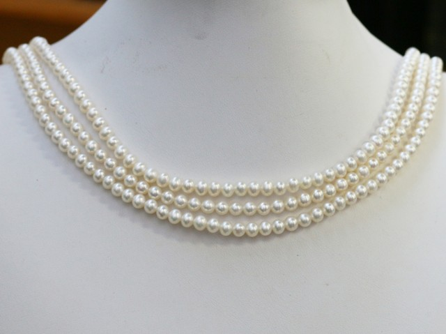 199.45 ctsThree White side drill /baroque 4 mm Natural Pearl strands  GOGO9