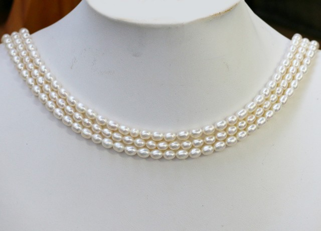 207.65 cts Three White side drill /oval 4 mm Natural Pearl strands  GOGO987