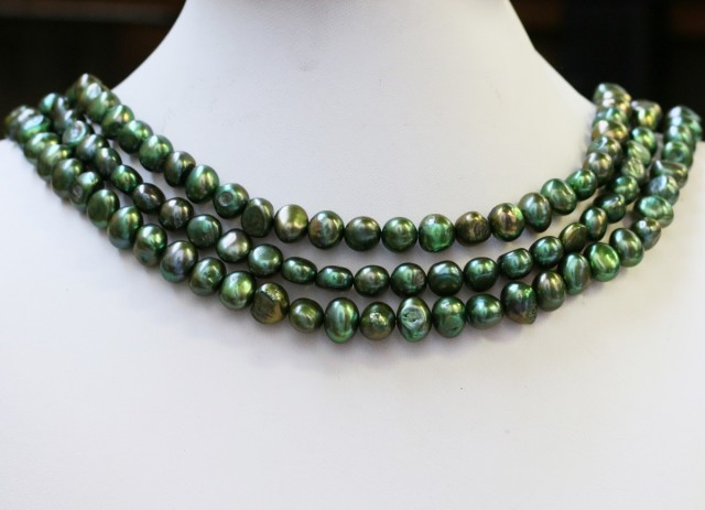 559.75 cts Dark Green Baroque Pearl strands  GOGO1063