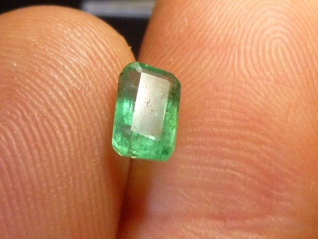 0.84cts Zambian Emerald , 100% Natural Gemstones