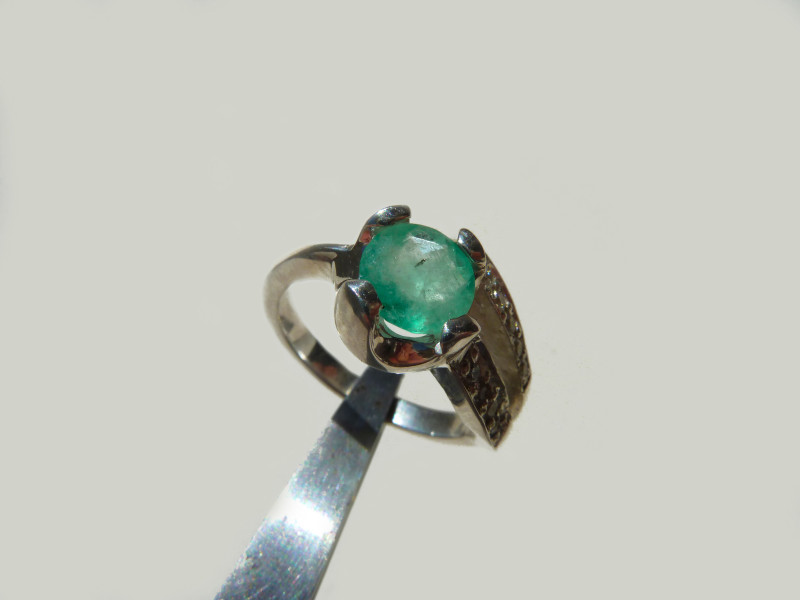 1.2 ct.  Colombian Emerald Silver  Ring