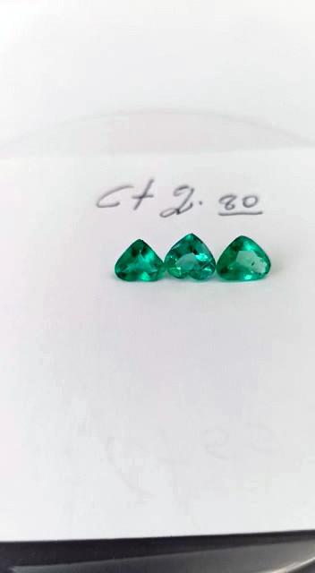 2.80ct  Colombian Emerald Triage  (Heart Shape Cut )