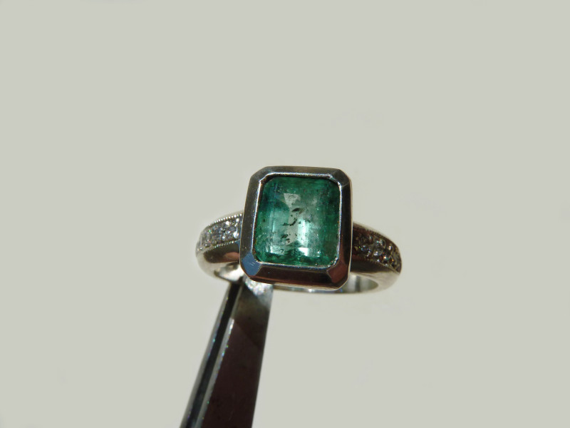 2.30 Colombian Emerald Silver Ring