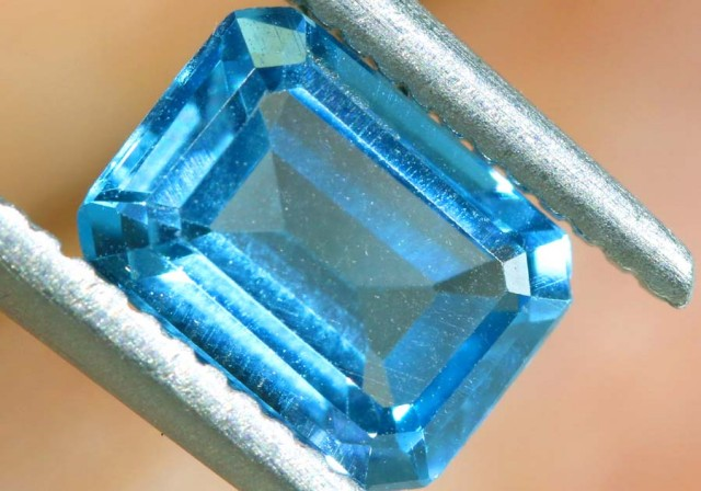 BLUE TOPAZ NATURAL FACETED 1 CTS PG-1879