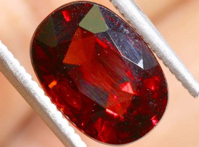 GARNET FACETED STONE  3 CTS PG- 1889