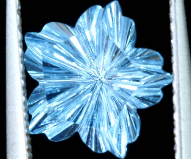 1.85 CTS TOPAZ FLOWER CARVINGS STONE PG- 1925