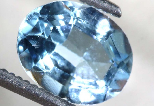 2.45 CTS BLUE TOPAZ FACETED STONE  PG-1942