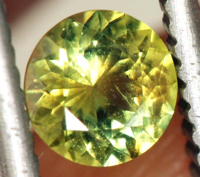 0.4 CTS UNHEATED  YELLOW -GREENISH SAPPHIRE FACETED GEMSTONE TBM-929