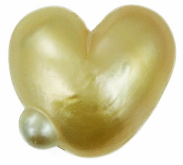 4.9 Cts Golden Love Heart Shape Natural Pearl  PPP890