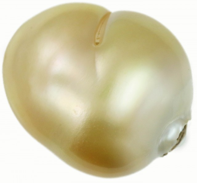 28 Cts Golden Love Heart Shape Natural Pearl  PPP891