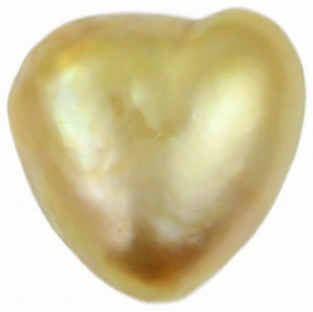 8.9 Cts Golden Love Heart Shape Natural Pearl  PPP906