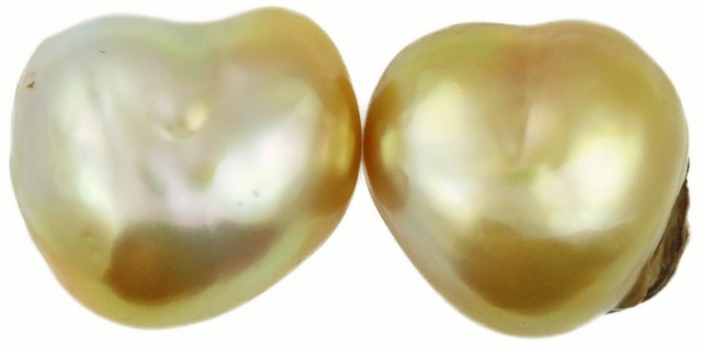 14.8 Cts Golden Love Heart Shape Natural Pair Pearls  PPP928