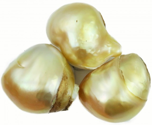 37 Cts Golden Freeform Shape Natural 3 Pearls  PPP934