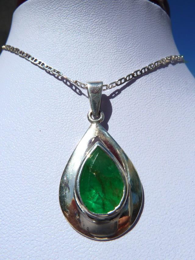 428 ct colombian emerald pendant aloadofball Choice Image