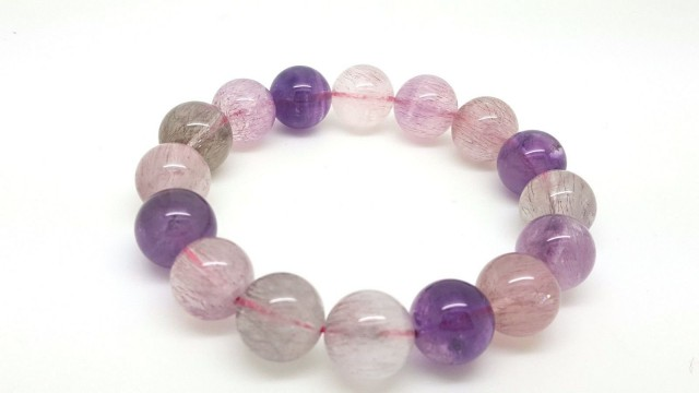 Natural Super 7 Seven Round Beads stretchable Bracelet AAA 13.5 mm