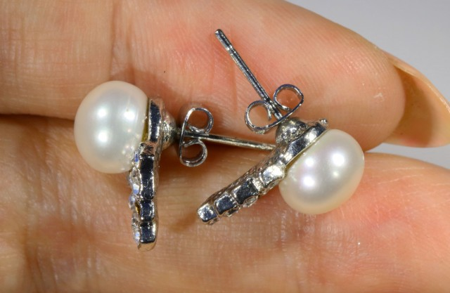 8 mm Ivory Natural Pearl Earrings PPP 1222