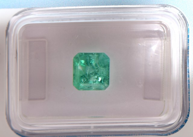 Natural Emerald 1.13Cts - IGI Certified - Colombian