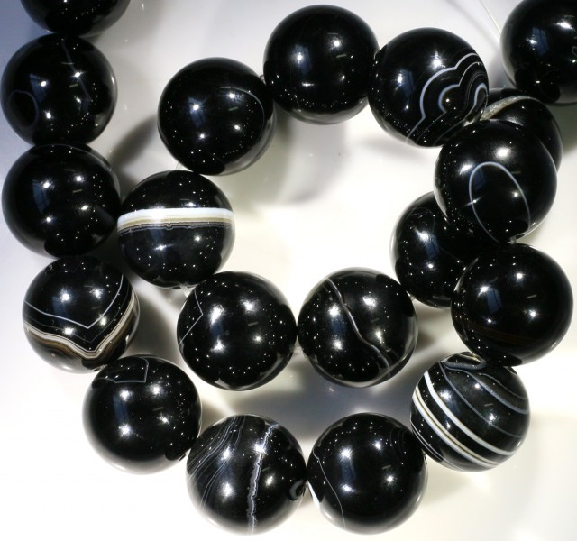 900 cts Brazil Banded agate strand beads GOGO 1266