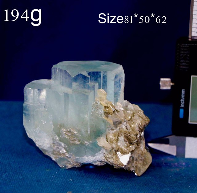 Gem color aquamarine minerals collection 2000 grams