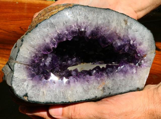 Green Amethyst Geode : Kilo uruguay amethyst geode specimen amt