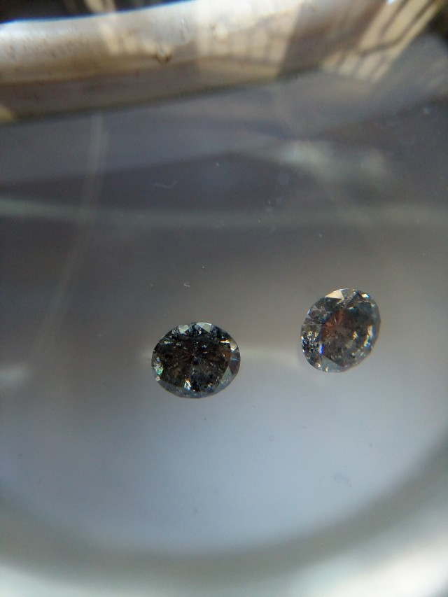 NATURAL BLACK-DIAMOND-O.50CTWSIZE-2PCS WITH FIRE AND LUSTURE