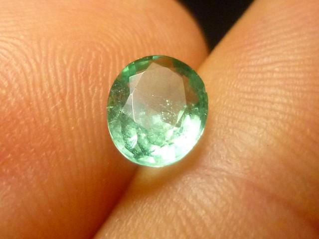 0.94cts Zambian Emerald , 100% Natural Gemstone
