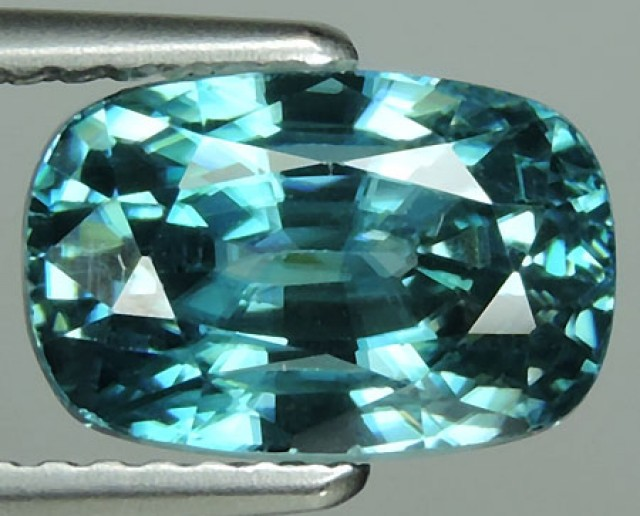 5.55 CTS DAZZLING NATURAL RARE TOP LUSTER INTENSE BLUE ZIRCON