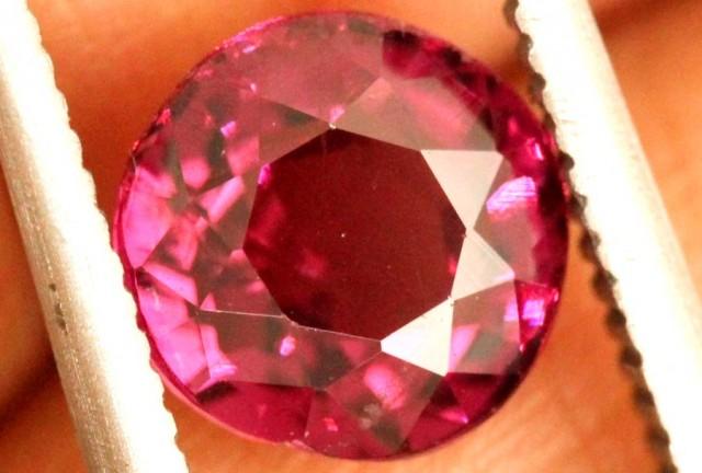 1.40 carats Spinel BURMA- natural untreated ANGC-711