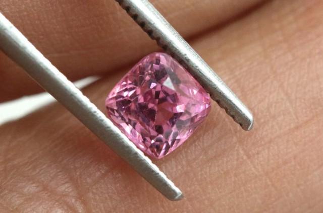 1.00 carats Spinel BURMA- natural untreated ANGC-722